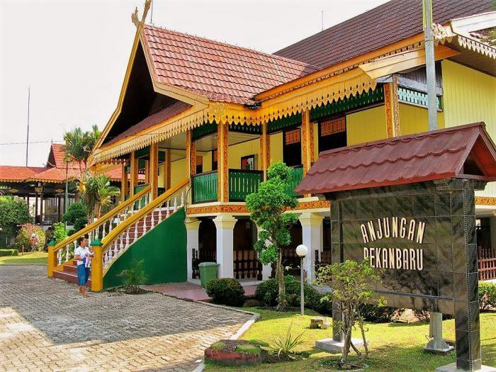 Nama Rumah Adat Kepulauan Riau Lengkap Gambar Dan Penjelasannya