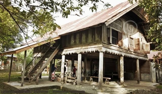 Rumah Adat Nanggroe Aceh Darussalam Lengkap Berserta Gambar Dan Penjelasannya